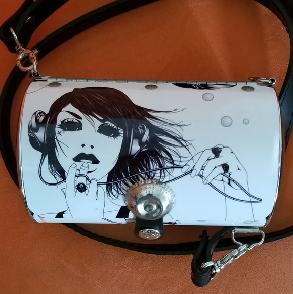 little earth Handbags - Little earth 2006 purse